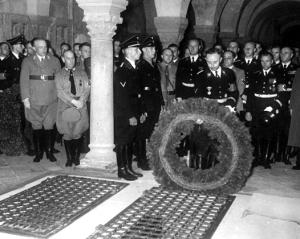 totenfeierf25c325bcrheinrichiimquedlinburgerdom1938-himmler-ss-occulthistorythirdreich-petercrawford1